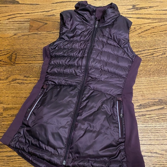 Like new! Lululemon Down for a Run Vest II
